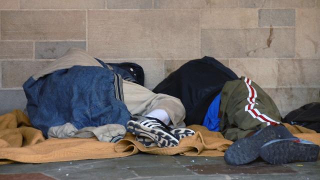 Bezdomni często nie mają szans zmienić swojego losu