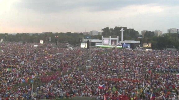 Msza święta na krakowskich Błoniach rozpoczęła Światowe Dni Młodzieży