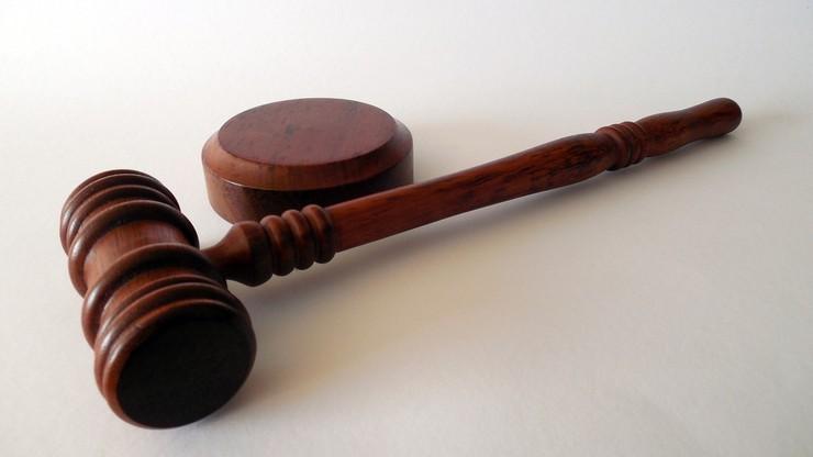 Sędzia miał przyjąć 100 tys. zł łapówki. W zamian za korzystny wyrok