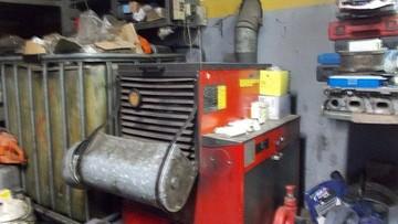 Warsztat ogrzewany przepracowanym olejem silnikowym. Posypały się kary