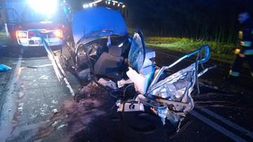 Koszmarny wypadek bmw. Auto w kawałkach, kierowca wypadł [ZDJĘCIA]