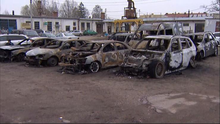 Osiem samochodów spłonęło w Elblągu. To mogło być podpalenie [WIDEO]