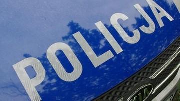 Pościg w Warszawie. Kierowca lexusa potrącił policjantów