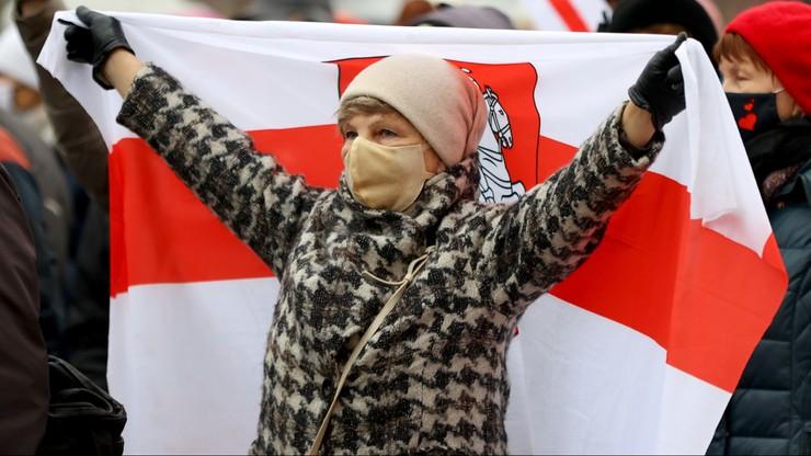 """Protesty w Mińsku. Milicja użyła """"środków specjalnych"""""""