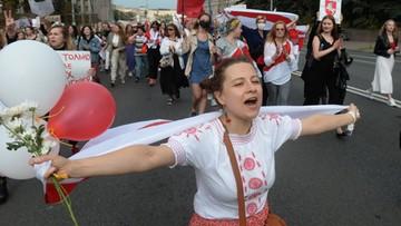 Wielotysięczny marsz na Białorusi. Masowe zatrzymania, w tym dziennikarzy Biełsatu