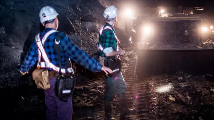 Wstrząs w kopalni KGHM. Ośmiu górników rannych