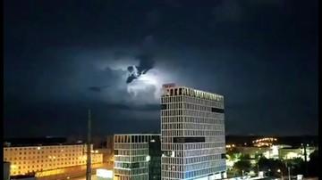 Burza nad Warszawą. IMGW wydał ostrzeżenia