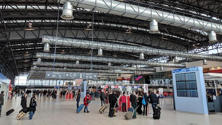 Kolejni Polacy utknęli na lotnisku w Czechach. Interwencja polskiego konsula