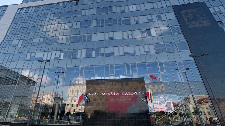 Prezydent Katowic zasłabł podczas sesji Rady Miasta. Trafił do szpitala