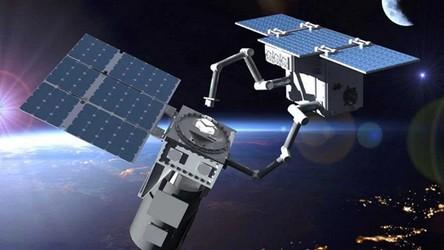 Polacy zbudują robotyczne ramię dla ESA do serwisowania satelitów