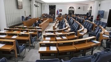 """Posiedzenie Senatu. Nowela ustawy """"covidowej"""" [TRANSMISJA]"""