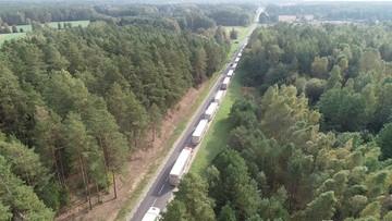 Kolejki tirów na granicy z Białorusią. Nawet 30 godzin czekania