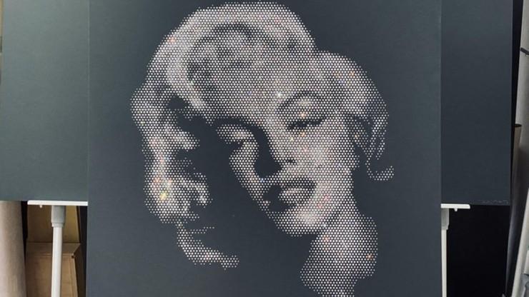 Szukali złodzieja. Znaleźli zaginioną Marylin Monroe z kryształków Swarovskiego
