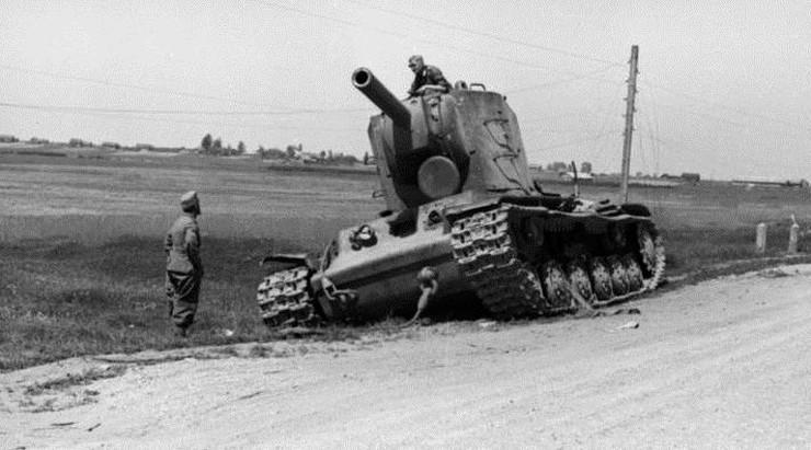 """Komsomolska Prawda"": na ZSRR w 1941 r. napadła hitlerowska Unia Europejska i polscy górale"