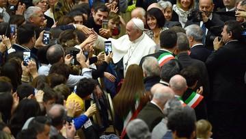 """Siatkarz napisał list do papieża z nietypową prośbą. """"Chcą mi zabrać święta"""""""