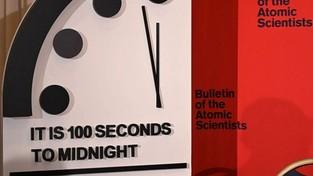 """25.01.2020 06:00 """"Zegar Zagłady"""" przyśpieszył. Jesteśmy bliżej końca świata, niż kiedykolwiek"""