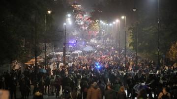 Protest przed domem Kaczyńskiego i willą premiera. Manifestacje w innych miastach