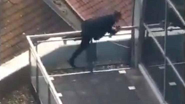 Europoseł PiS zatrzasnął się na tarasie. Ratował się kopiąc w drzwi i idąc po gzymsie [WIDEO]