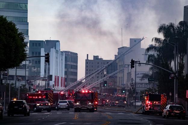 Eksplozja w centrum Los Angeles. Rannych kilkunastu strażaków