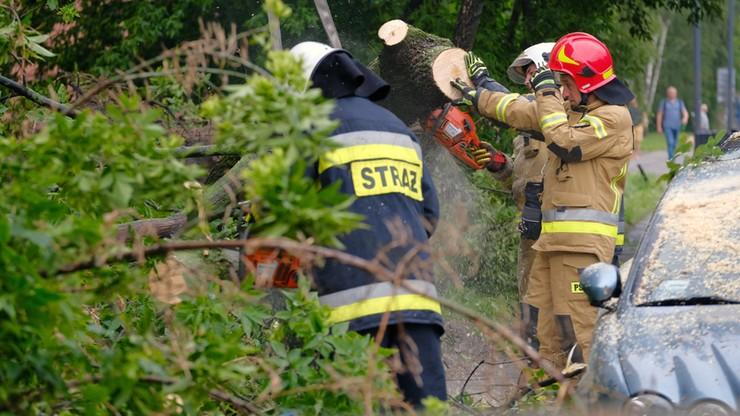 Tysiąc interwencji strażaków. Skutki burz w Polsce