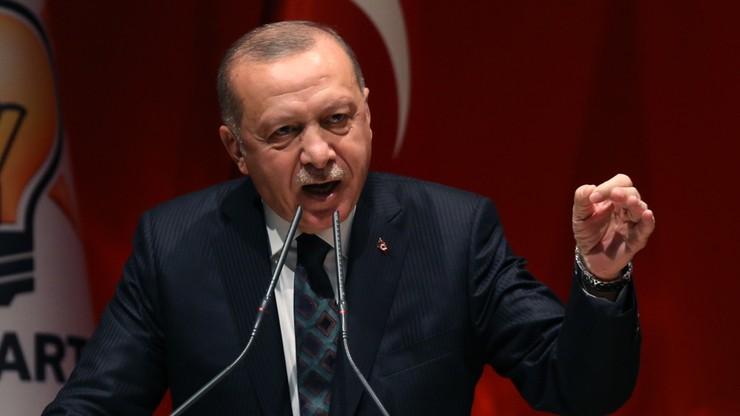 """""""Otworzymy bramy i wyślemy do was 3,6 mln uchodźców"""". Erdogan grozi Europie"""