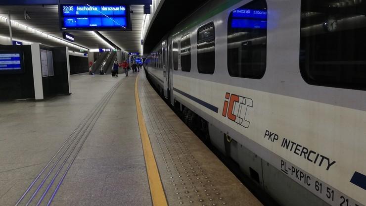 Koronawirus w pociągu nad morze. Sanepid szuka podróżnych