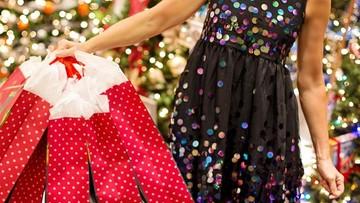 Zakupy świąteczne 2019. Ile Polacy wydadzą w tym roku na prezenty?
