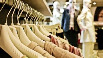 Polacy wracają do sklepów, ale nie przesadzają z zakupami