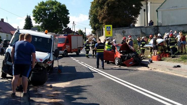 Ośmioro poszkodowanych w wypadku w Osieku. Droga zablokowana na kilka godzin