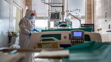Rekordowa liczba nowych przypadków koronawirusa. Nie żyje 76 osób