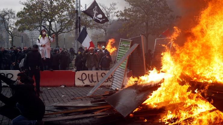 """Ponad 260 osób zatrzymanych na protestach """"żółtych kamizelek"""""""