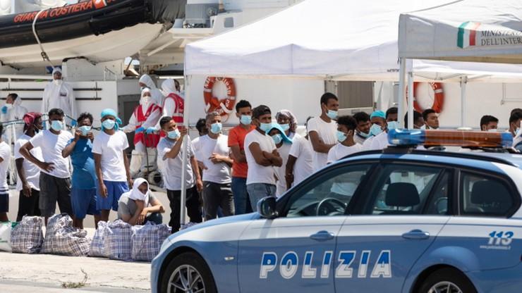 Kryzysowa sytuacja na włoskiej wyspie. Burmistrz apeluje o ewakuację migrantów