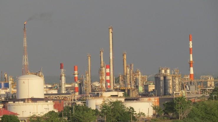 Rosną ceny ropy po ostrzelaniu amerykańskich baz w Iraku
