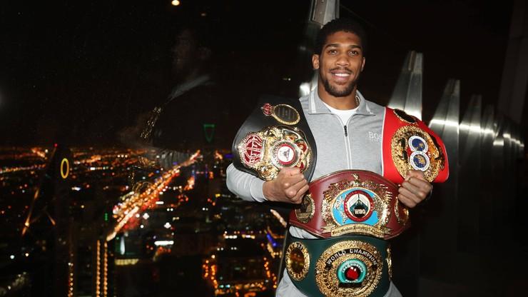 Raport DAZN: Joshua lepszy od piłki, ale boks na minus 500 milionów dolarów!