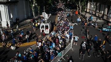 Argentyna: Tysiące ludzi żegna Diego Maradonę. Wielkie czuwanie przy trumnie mistrza.
