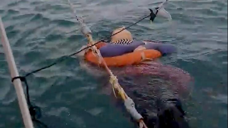 Wyłowili z morza dryfującą kobietę. Rodzina szukała jej od dwóch lat