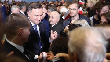 """Prezydent o nowym rządzie i """"bycie zwykłych ludzi"""". Wizyta w Kazimierzy Wielkiej"""