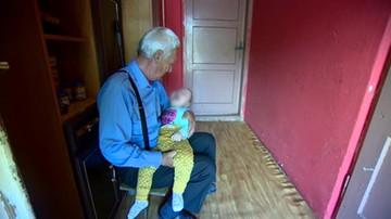 Sami z niepełnosprawnym wnukiem. Zebrana po reportażu kwota robi wrażenie
