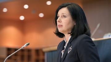 """""""Nie reforma, a nalot dywanowy"""". Wiceszefowa KE o zmianach w polskich sądach"""
