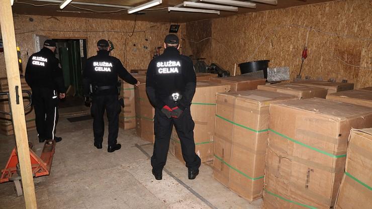 Zlikwidowano nielegalną fabrykę tytoniu. Służby zajęły towar o wartości 2,3 mln zł