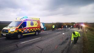 Tragiczny wypadek autobusu z ciężarówką! Nie żyje 13 osób! To uczniowie szkół średnich