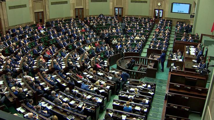 Politycy otrzymają dodatkowe miliony złotych. Pomogła wysoka frekwencja w wyborach