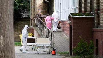 """""""Sytuacja jest dramatyczna"""". Ekspert WHO o epidemii w Polsce"""