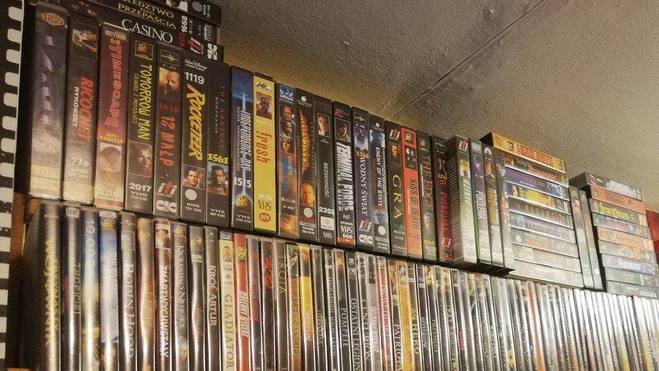 Podróż w czasie. W Warszawie wypożyczysz... kasety VHS