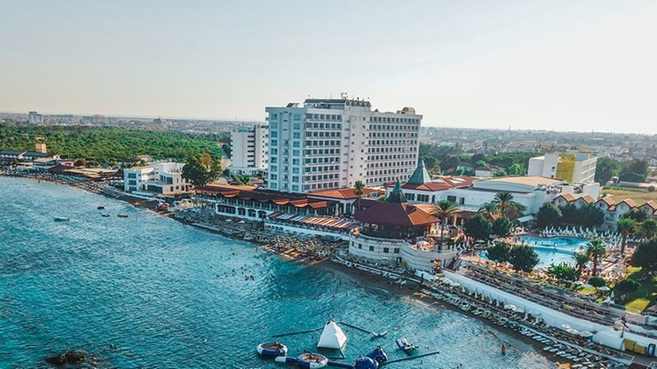 Polscy turyści objęci kwarantanną w hotelu na Cyprze Północnym