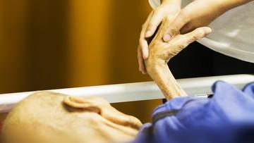 Zakaz działalności firm oferujących eutanazję niekonstytucyjny. Orzeczenie niemieckiego Trybunału