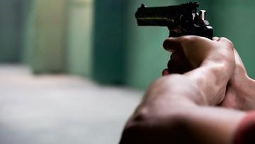 Strzelał do policjantów z broni... na gumowe kulki. Grozi mu 10 lat więzienia