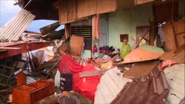 Niemal 50 ofiar tajfunu Phanfone. Zrujnowane domy, zalane miasta [WIDEO]