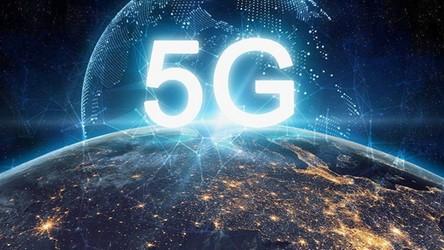 Komisja Europejska daje zielone światło do instalacji małych anten 5G bez zezwoleń