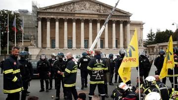 Policja starła się z protestującymi strażakami w Paryżu. Użyto gazu, są ranni